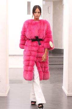 Silver Fox Coat with hooks. Cappotto di volpe con ganci. #elsafur #fur #furs #fox #furcoat #vest #gilet #jacket #giacca #peliccia #pellicce #coat #cappotto #pink #pinkworld #fuscia #fluo