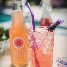 This grapefruit & lavender-ita with @izzeofficial is a great spin on the classic marg. Get this recipe & more when you click the link in our bio! #Margaritas #Monday #Mood #MargaritaDay