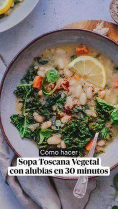 Vegan Soup, Vegetarian Food, Healthy Soup Recipes, Vegan Recipes, Fitness Diet, Kale, Funko Pop, Favorite Recipes, Cooking