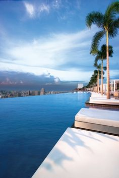 infinity pool at marina bay sands hotel, singapore Places Around The World, The Places Youll Go, Places To See, Around The Worlds, Marina Bay Sands, Dream Vacations, Vacation Spots, Sands Hotel Singapore, Singapore Singapore