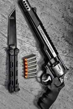 Best Place to Buy Ammo Online Period! Best Place to Buy Ammo Online Period! Lucky Gunner® carries ammo for sale and only offers in stock cheap ammunition - guaranteed Ninja Weapons, Weapons Guns, Guns And Ammo, Ammo Storage, Custom Guns, Weapon Concept Art, Cool Guns, Military Weapons, Katana