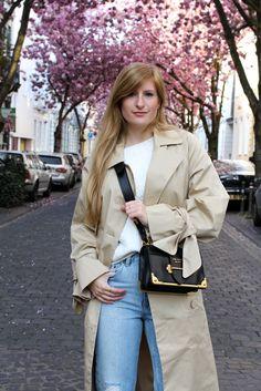 Edited Trenchcoat MOM Jeans Streetstyle Blog Kirschblüten Heerstraße Bonn Outfit Prada Tasche 8