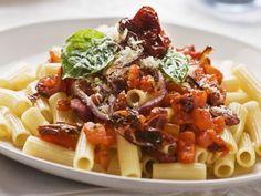Pasta mit Chorizo und Tomaten Rezept | EAT SMARTER