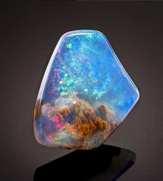 Incredible Opal looks like a Nebula #Art #Science #InvocoAmor