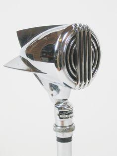 "Astatic 600 ""Conneaut"" microphone (1946)"
