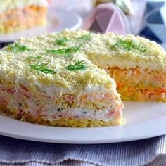 Mimosa salad: Brighten up your dinner table with this Soviet classic - Russia Beyond Mimosa Salad, Summer Recipes, Holiday Recipes, Queens Food, Russian Recipes, International Recipes, Relleno, Love Food, Tapas