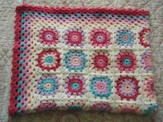 What a  lovely blanket; I love the colors   Betsy Makes ....: Baby Circles Cot Blanket