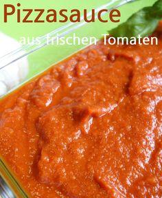 Rezept Pizzasauce, mit frischen Bio-Tomaten, selbst gemacht, bzw. gekocht. Diese Pizzasoße wird eingekocht mit Zwiebeln, Knoblauch, Oregano, Zitronensaft und weitere Zutaten. – Meine Stube #pizzasauce #tomatensauce #pizza