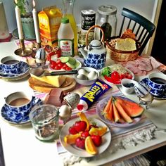 Those cups! (And I'll take the Swedish breakfast, as well.)