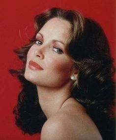 """Jaclyn Smith b: Oct. 1947 in Houston, TX. best known for playing Kelly Garrett in the TV show """"Charlie's Angels"""". Jaclyn is the only original angel to survive the entire series as Farrah Fawcett and Kate Jackson both left the show. Read the full story>> Charlies Angels, Jaclyn Smith Charlie's Angels, Jacklyn Smith, Divas, Kate Jackson, Cheryl Ladd, Farrah Fawcett, Portraits, Classic Beauty"""