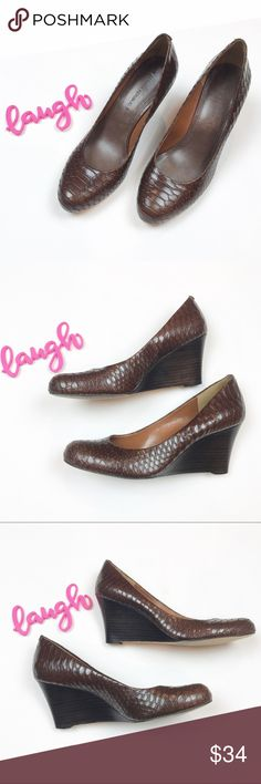 Banana Republic brown snake print wedges size 8 Banana Republic / size 8  . Brown faux snake print wedges in excellent condition. . Banana Republic Shoes Wedges