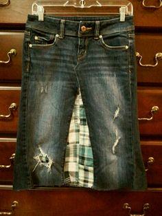 Jean skirt with plaid center... Cute! Jeans Skirt #2dayslook #susan257892 #JeansSkirt www.2dayslook.com