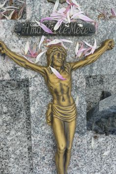 Gold Jesus with petals