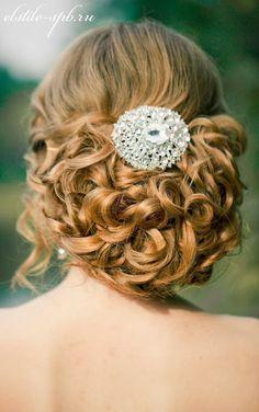 Steal-Worthy Wedding Hairstyles   bellethemagazine.com