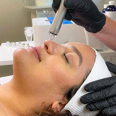 Non-invasive, non-dripping, and non-costly skin-resurfacing treatment, designed to help estheticians and their customers to meet their goals. The synergy of advanced Zemits Skincare Products Line and DermeLuxx delivers instantly radiant skin to clients and boosts business to skincare professionals. Skin Resurfacing, Estheticians, Skin Cleanse, Skin Tightening, Radiant Skin, Dead Skin, Medical Conditions