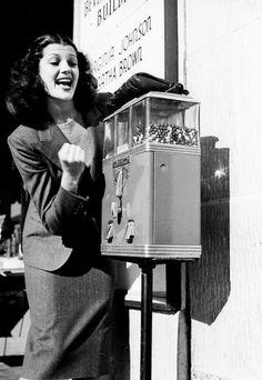Rita Hayworth, 1939.