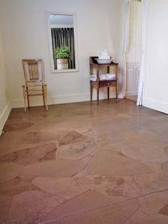 Aivan mielettömän hieno lattia, joka on tehty ruskeasta pakkauspaperista!