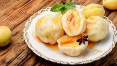 Meruňkové knedlíky Camembert Cheese, Garlic, Eggs, Lunch, Vegetables, Breakfast, Food, Morning Coffee, Eat Lunch