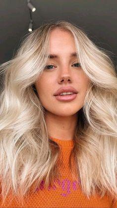 Summer Blonde Hair, Blonde Hair Shades, Light Blonde Hair, Dyed Blonde Hair, Blonde Hair Looks, Blonde Hair With Layers, Blonde Straight Hair, Mid Length Blonde Hair, Blonder Hair