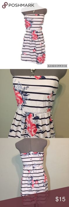"Listing: Striped and Floral Strapless Dress Striped and Floral Strapless Dress. Juniors size S measures flat: 15-17"" across elastic top, 14"" across waist with a little stretch, 21"" across hips with a full skirt, 25"" long. The top is lined, back zip close, loops for belt- not included. 97% cotton, 3% spandex. 421/50/042417 Vanity Dresses Strapless"