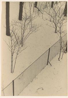 Vor meinem Fenster, gelatin silver print, 1931-32, Josef Albers
