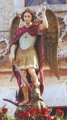 Arcanjo Miguel, Deus te constituiu Príncipe de todas as almas que se devem salvar.