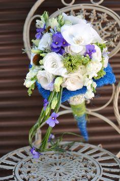 #Buchet de #mireasă din #eustome și #orhidee cu #livrare în #Moldova. Origami, Table Decorations, Wedding, Home Decor, Aphrodite, Valentines Day Weddings, Mariage, Paper Folding, Weddings