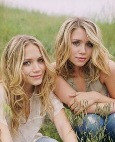 Mary-Kate & Ashley Olsen Photo: 2003 - 50 Most Beautiful Shoot Mary Kate Olsen, Mary Kate Ashley, Ashley Olsen, Olsen Twins, Hair Color And Cut, Shooting Photo, Blonde Color, Hair Today, Swagg