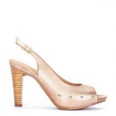 Peeptoe Pedro Miralles piel oro rosa aplicaciones y tacón madera #shoes #shoeporn #metal #style #peeptoes #trends #ss16 #shoes #pedromiralles #shoeaddict