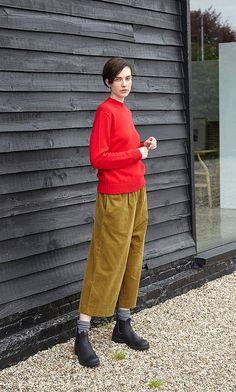 Tabi pants - Plümo Ltd Basic Outfits, Mode Outfits, Fashion Outfits, Womens Fashion, Preppy Fall, Boyish, Winter Looks, Aesthetic Clothes, Streetwear Fashion