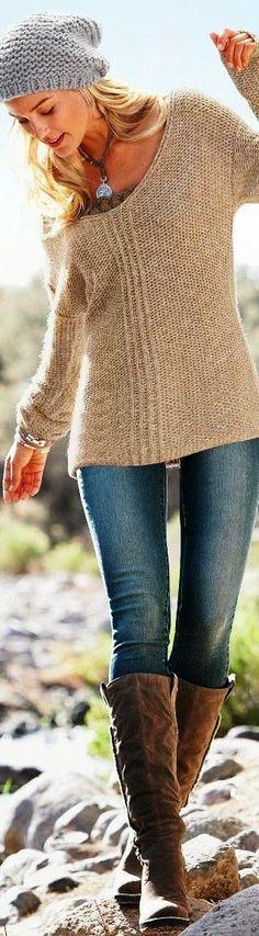suéter marrón con pantalones vaqueros azules sisxty dólares y cincuenta y cinco…