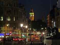 Big Ben desde Trafalgar square de Noche