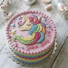 Cake unicorn cupcake recipes 36 ideas for 2019 Novelty Birthday Cakes, Cool Birthday Cakes, Novelty Cakes, Easy Cake Decorating, Birthday Cake Decorating, Cake Decorating Techniques, Bolo My Little Pony, Buttercream Cake Designs, Cake Piping