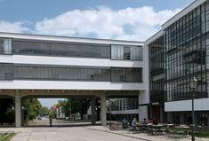 Bauhaus-Dessau_Verbindung.JPG (2118×1434)
