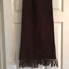 BROWN KNIT SCARF Beautiful brown knit winter scarf Accessories Scarves & Wraps