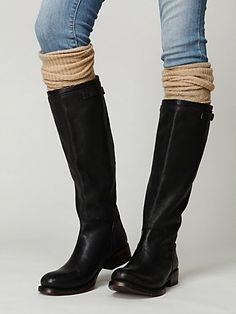 Definitely trying this look for Winter. Leg warmers over jeans and under boots!