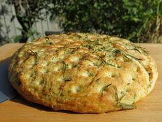 Thermomix Focaccia – only takes 3 minutes to make. … Thermomix Focaccia – only takes 3 minutes to make. Pan Focaccia, Mulberry Recipes, Thermomix Bread, Spagetti Recipe, Szechuan Recipes, Bellini Recipe, Gnocchi Recipes, Food And Drink, Kitchen