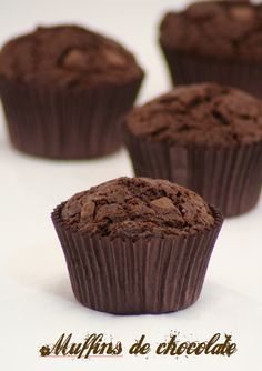 Recetas de muffins de chocolate Chocolate Muffins, Chocolate Cupcakes, Muffin Recipes, Cupcake Recipes, Molten Cake, Fun Cupcakes, Mini Cakes, Sweet Recipes, Bakery