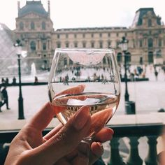 Kisses to good wine and good weekends. Photo via @melissamerk
