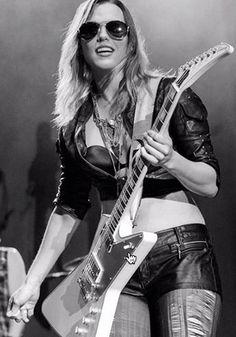24 Best Lzzy Hale Images Lzzy Hale Halestorm Women Of Rock