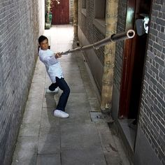 He is too awesome! Art Reference Poses, Photo Reference, Donnie Yen Movie, Marshal Arts, Moving To Boston, Kung Fu Movies, Chinese Martial Arts, Dynamic Poses, Martial Artists