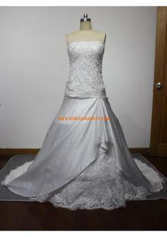 Robe de mariée princesse satin appliqué dentelle