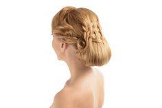Společenský účes od Top Stylist Moniky - drdol vhodný nejen na ples, ale i jako svatební. / Hairstyle by our Top Hairstylist Monika - hairstyle for ball or wedding.