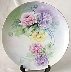 Hand Painted & Signed Mums Plate (Hand Painted Decorative Plates Floral) at Silversnow Antiques and Ceramic Plates, Decorative Plates, China Painting, Plates And Bowls, Pastel Pink, Green Leaves, Trays, Vases, Hand Painted