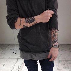 ⏩Chubster tattoo inspirations - Idée tatouage homme ⌨️tags for : - Body Art Tattoos, Sleeve Tattoos, Tatoos, Fake Instagram, Estilo Dark, Tatuagem Old School, Trendy Tattoos, Traditional Tattoo, Tattoo Inspiration
