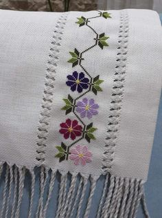 Cross Stitch Borders, Hand Embroidery, Blanket, Crochet, Creative, Cross Stitch Embroidery, Cross Stitch Rose, Fabric Basket, Purple Roses