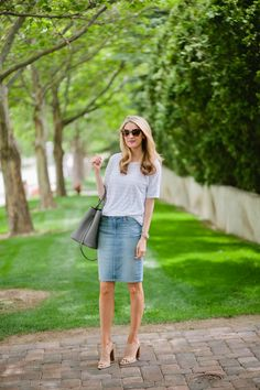 Denim Skirt and Stripes (Ivory Lane) - Outfit Jeans, Denim Pencil Skirt Outfit, Denim Skirt Outfit Summer, Jean Skirt Outfits, Jean Skirts, Denim Skirts, Midi Skirts, Long Skirts, Modest Outfits