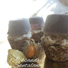 RAW mini CAKES!!!! #raw #vegan #deserts # cake