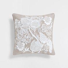 Image du produit Housse de coussin lin broderie relief couleur naturelle