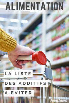 1/4 des additifs alimentaires présente un risque pour la santé. Découvrez la liste des colorants et conservateurs qui sont à éviter. Colorants, Hygiene, Cooking Time, Recipies, Food And Drink, Menu, Drinks, Healthy, Culture